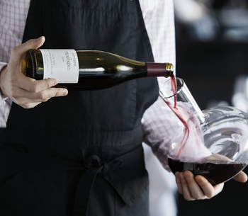Amazon has taken the traditional role of the sommelier and brought it to a digital audience with its latest service (Photo: Wiki)