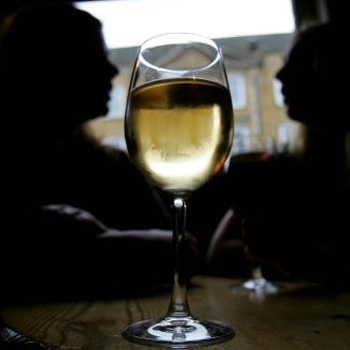 17% of parents drink more alcohol than usual after their first baby is born,