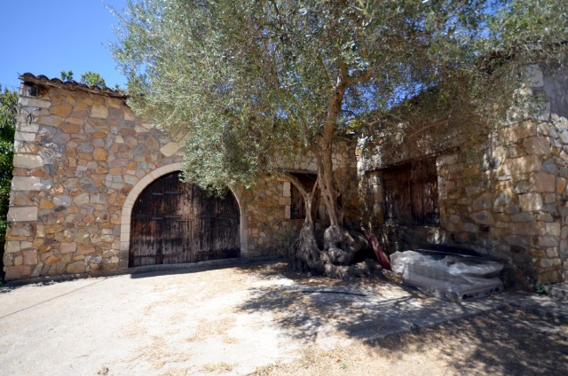 The old Manousakis Winery