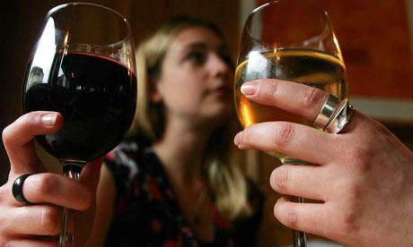 Two-women-drinking-wine-002