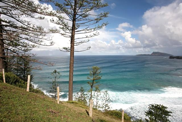 Norfolk-Island-Pacific-Australia-pine-coast-getaway2