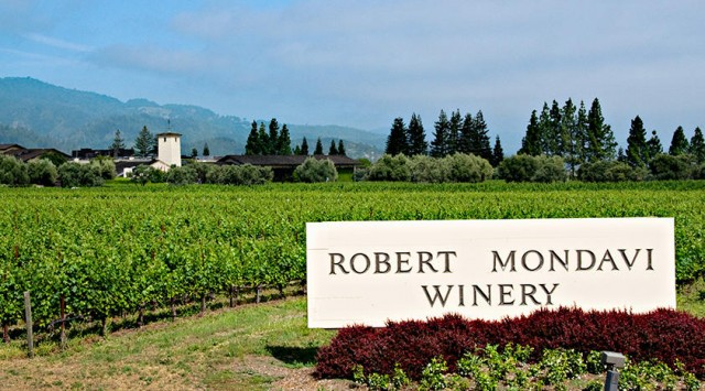 1541462321-robert-mondavi-winery-tour