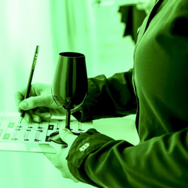 Colour and sound proven to affect wine taste