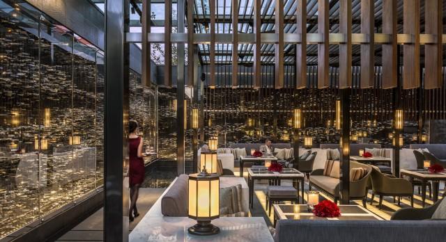 Camelia-Restaurant-Terrace-Service