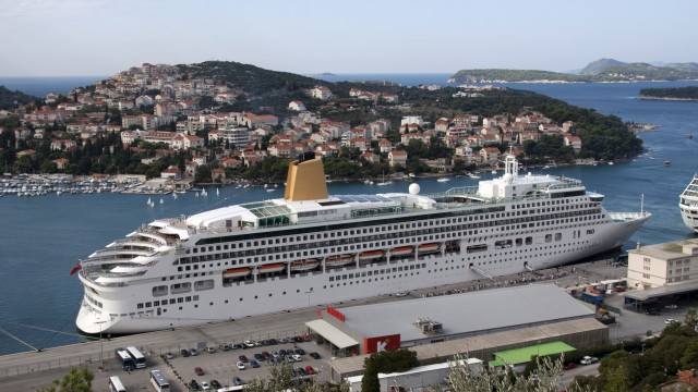 All aboard!: The findings are reached based on an average of 2,200 passengers per cruise ship