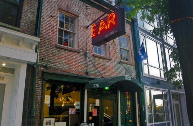 3-ear-inn-new-york