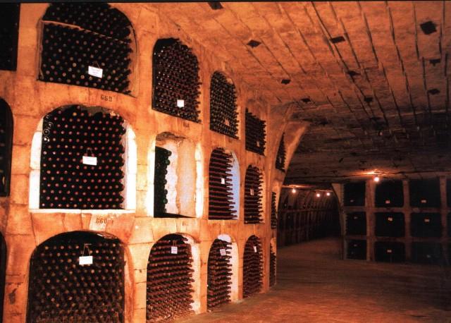 Moldova_biggest_wine_cellars