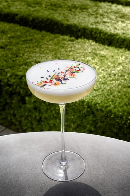 Coq D'Argent cocktail with U'Luvka Vodka