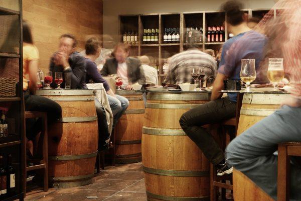 UK gastropubs lead premium wine push