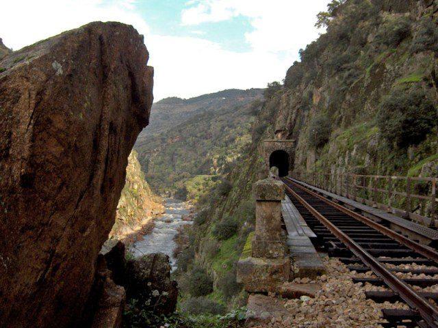 Tua-railway-line-640x480