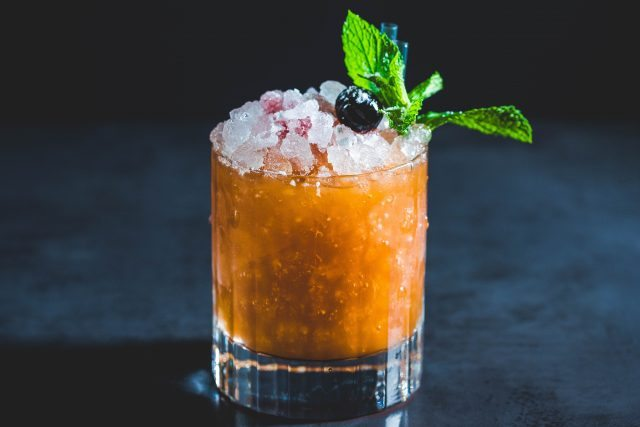 dirty-bones-mince-pie-bramble-christmas-cocktail