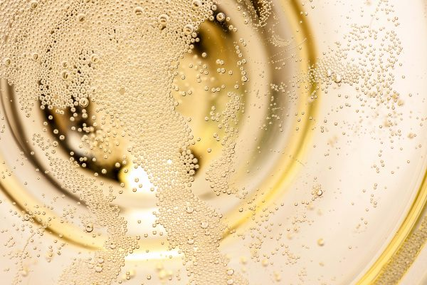 Sparkling wine sales down in 2020 but quick recovery forecasted