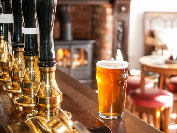 Warm March boosts on-trade as drinks dominate sales