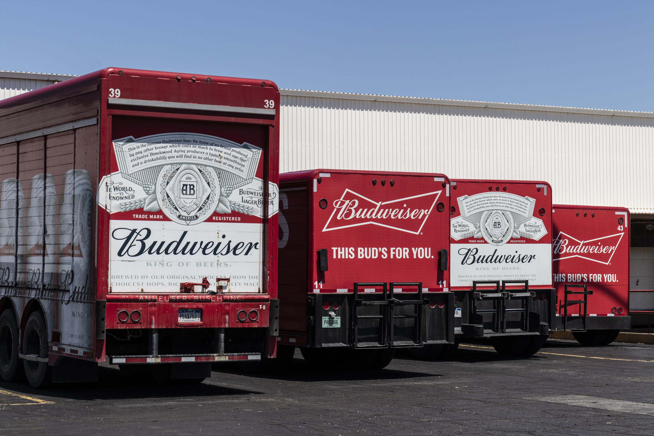 Anheuser-Busch free beer covid vaccine
