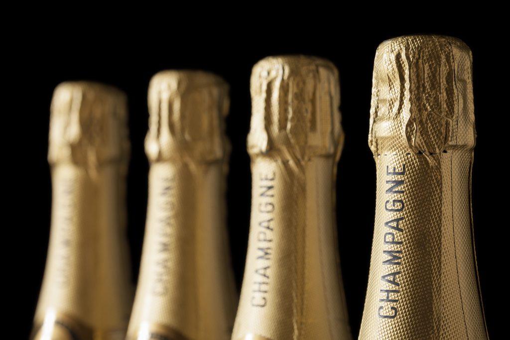 Champagne bottles - new Russian fizz law