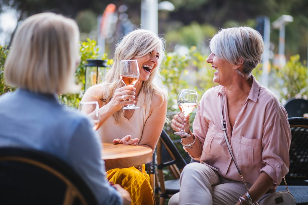 Light-to-moderate drinking can lower heart attack risk