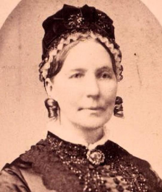 Elizabeth Cumming