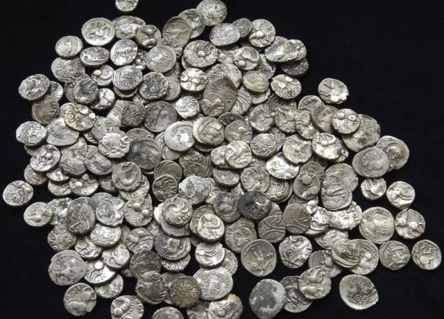 Gallic coins. Credit: INRAP