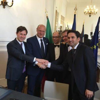 Chianti Classico and Champagne Comite sign partne