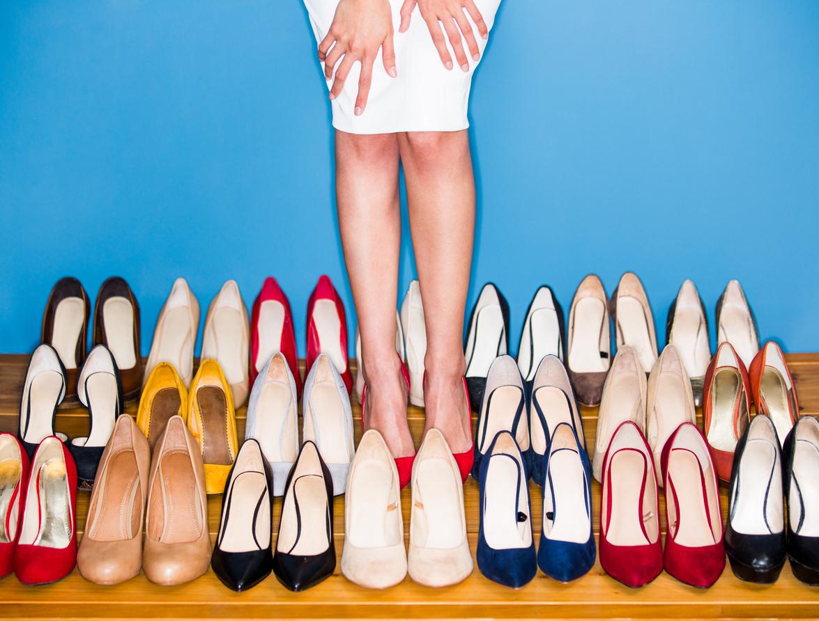 много туфель на одной картинке придерживаемся